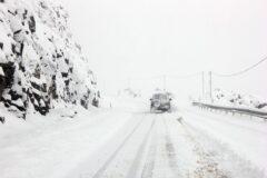 راه دسترسی ۲۰ روستای شهرستان خوی بر اثر بارش برف مسدود شد