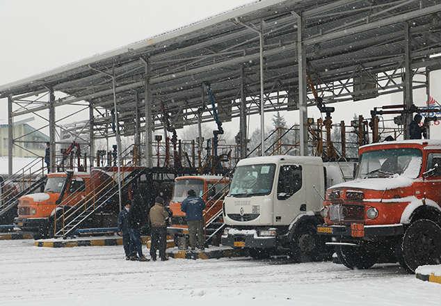 سوخت رسانی مستمر در شرایط نامساعد جوی آذربایجان غربی ادامه دارد