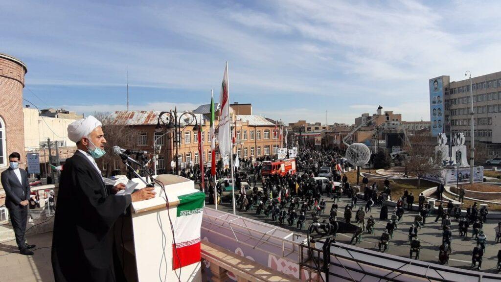 مردم ایران نشان دادند که همیشه وفادار به آرمانهای امام و انقلاب هستند