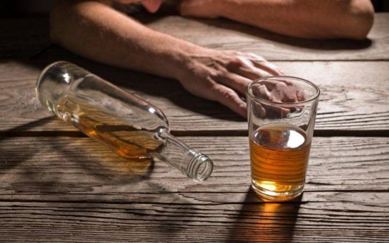 مرگ دختر 12 ساله بر اثر مصرف مشروب تقلبی