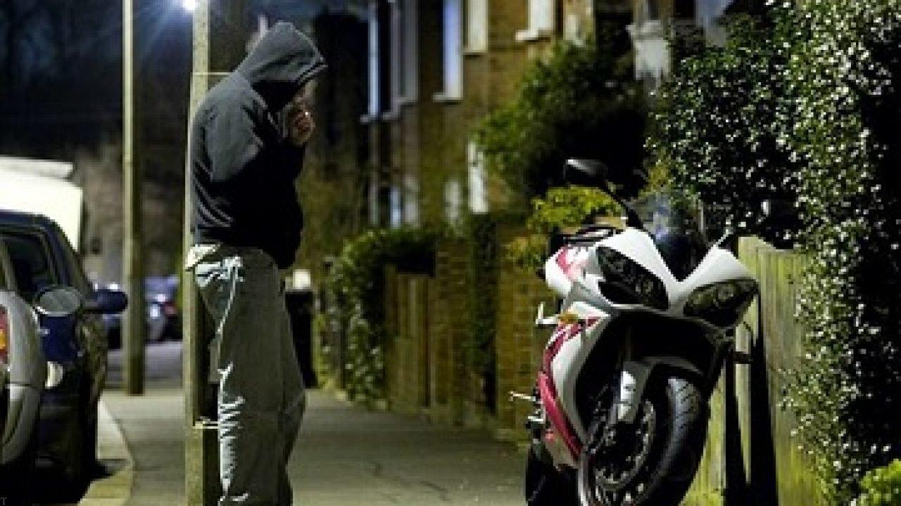 اعضای باند سارقان حرفهای خودرو موتورسیکلت در بوکان دستگیر شدند