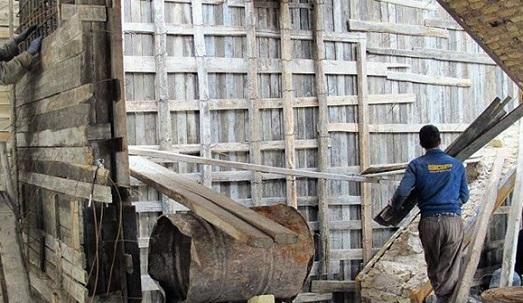 کارگران ساختمانی ارومیه غم نان و دغدغه بیمه دارند