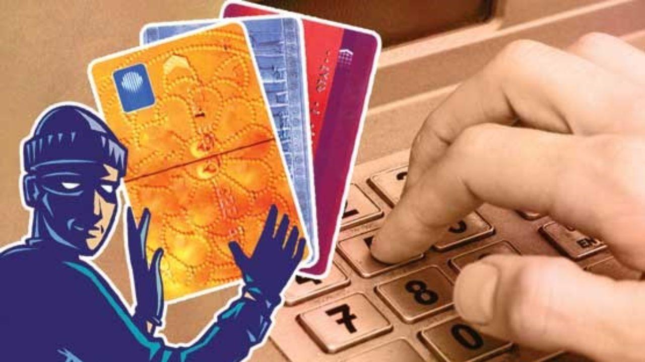 دستگیری ۸ سارق حساب های بانکی در نقده