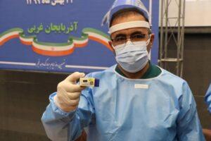 تزریق نخستین واکسن کووید ۱۹ در آذربایجان غربی آغاز شد
