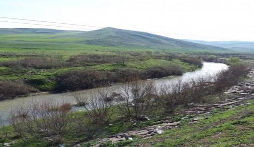از تردد و توقف در حریم و بستر رودخانه ها خودداری شود